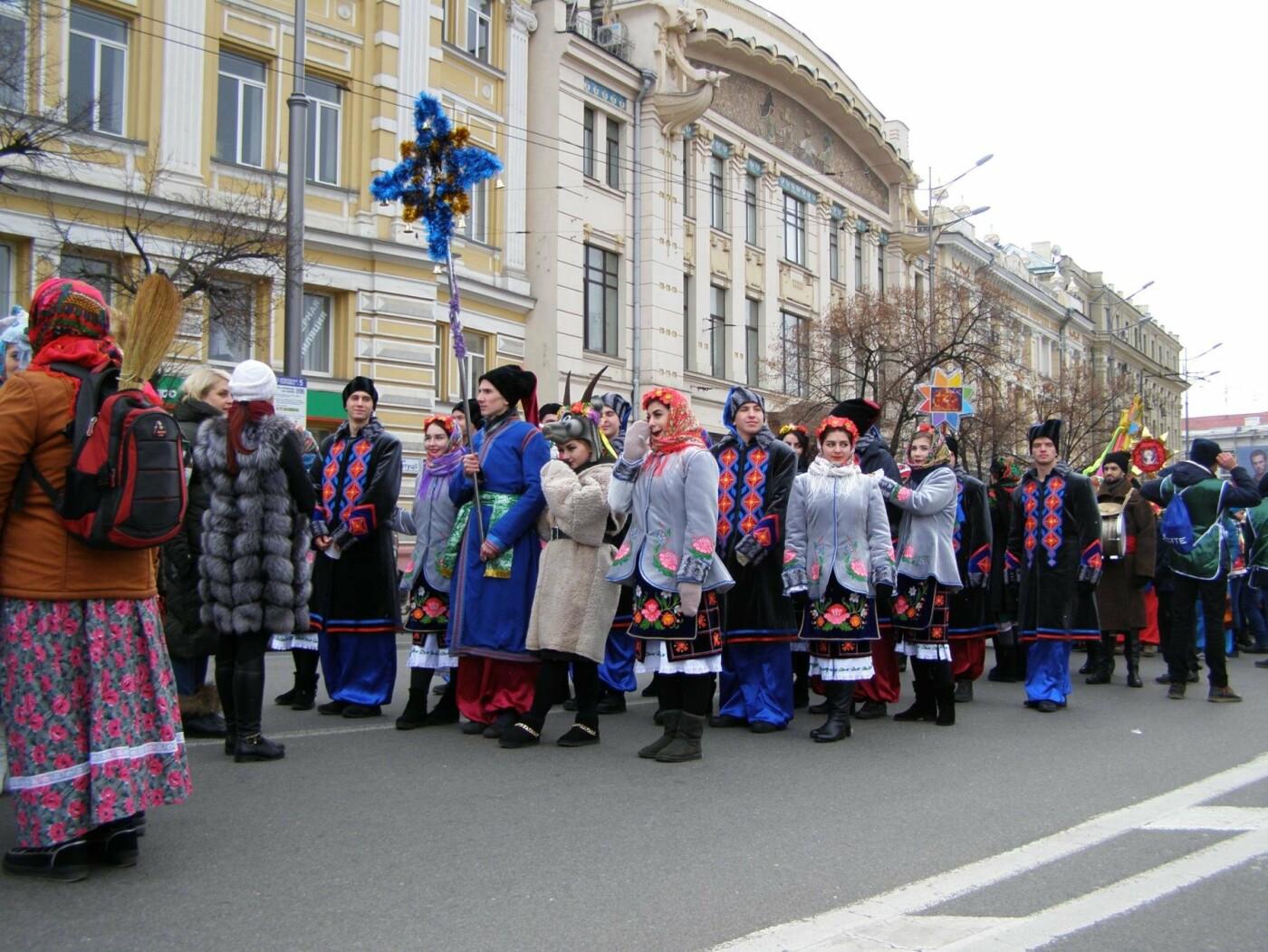 Харьков заполонили ангелы, козы и черти: в городе прошел масштабный фестиваль вертепов (ФОТО), фото-4