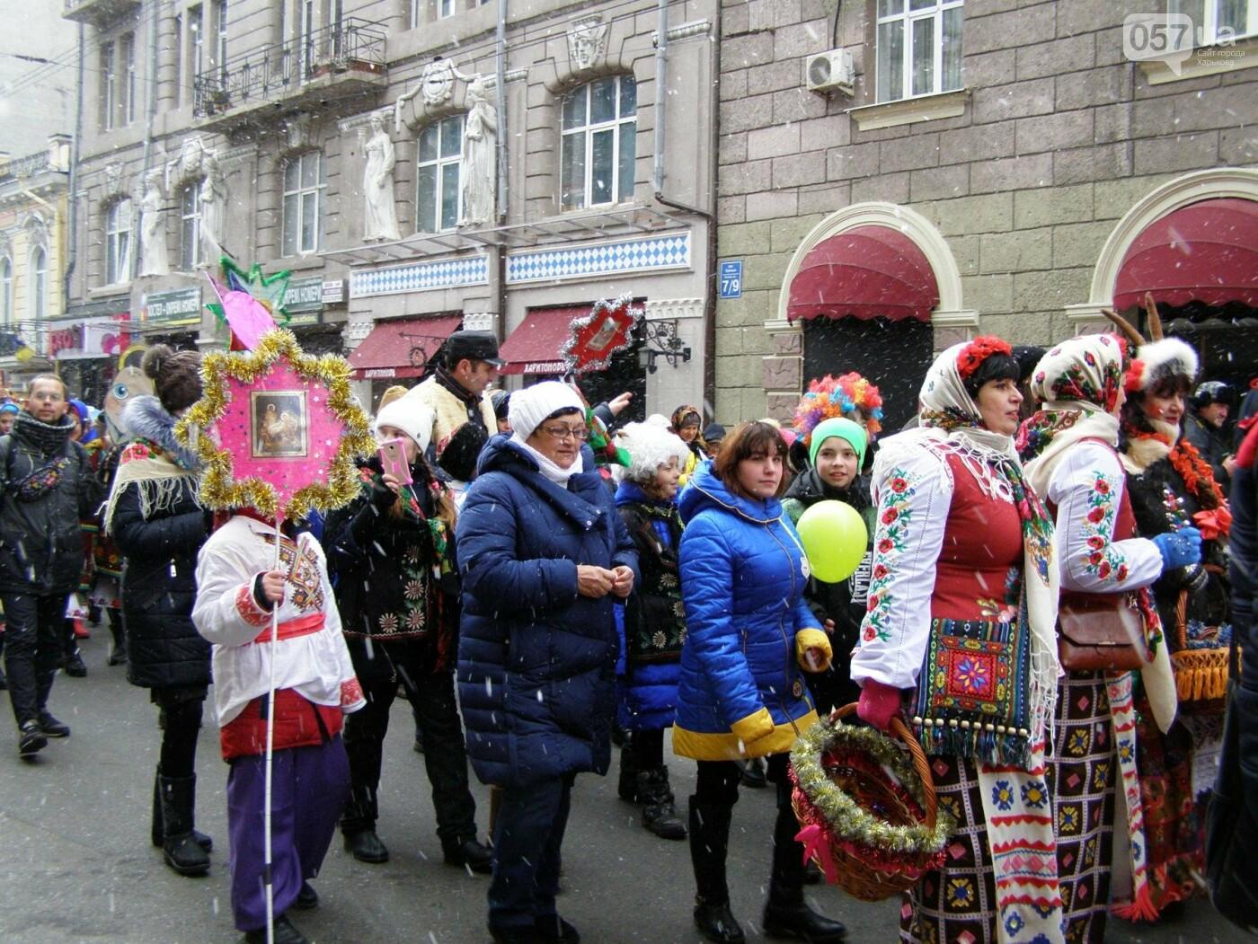 Харьков заполонили ангелы, козы и черти: в городе прошел масштабный фестиваль вертепов (ФОТО), фото-15