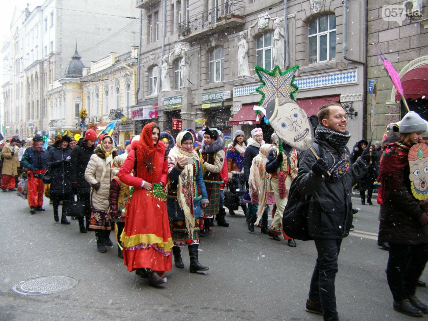 Харьков заполонили ангелы, козы и черти: в городе прошел масштабный фестиваль вертепов (ФОТО), фото-13