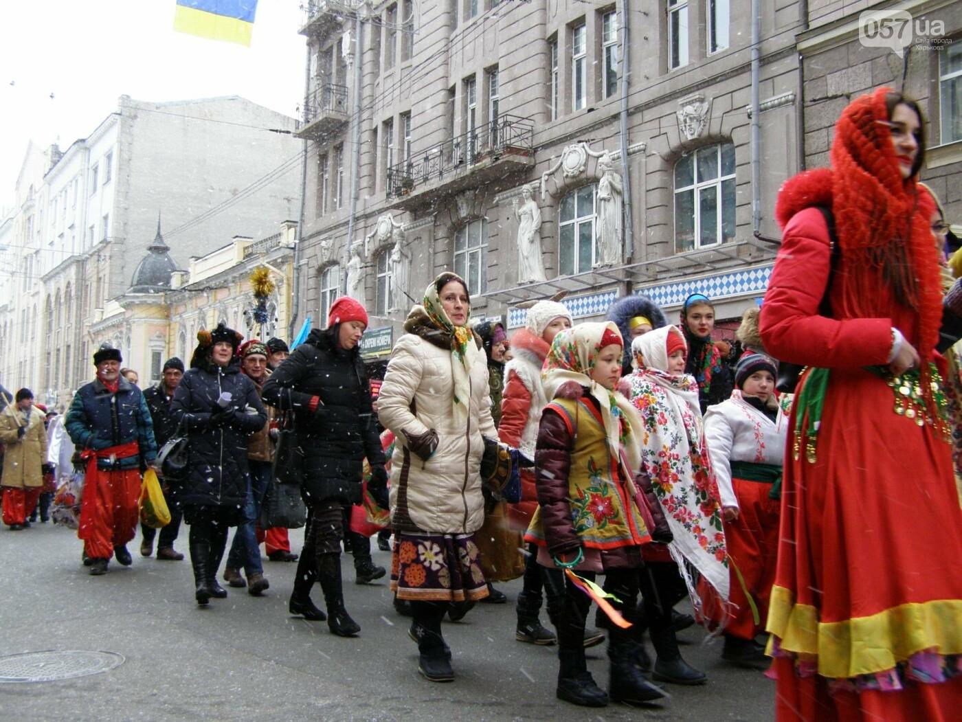 Харьков заполонили ангелы, козы и черти: в городе прошел масштабный фестиваль вертепов (ФОТО), фото-14