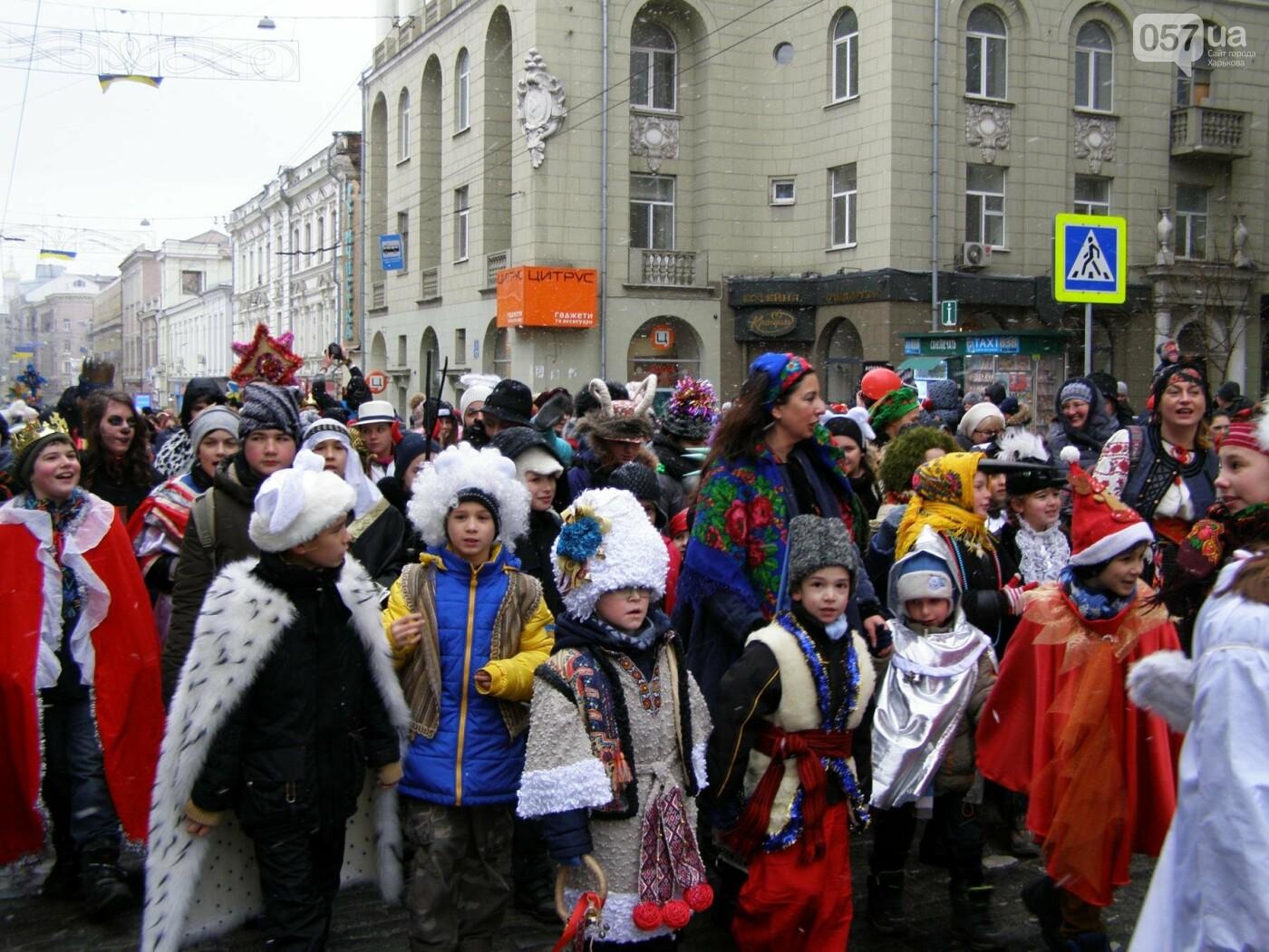 Харьков заполонили ангелы, козы и черти: в городе прошел масштабный фестиваль вертепов (ФОТО), фото-20
