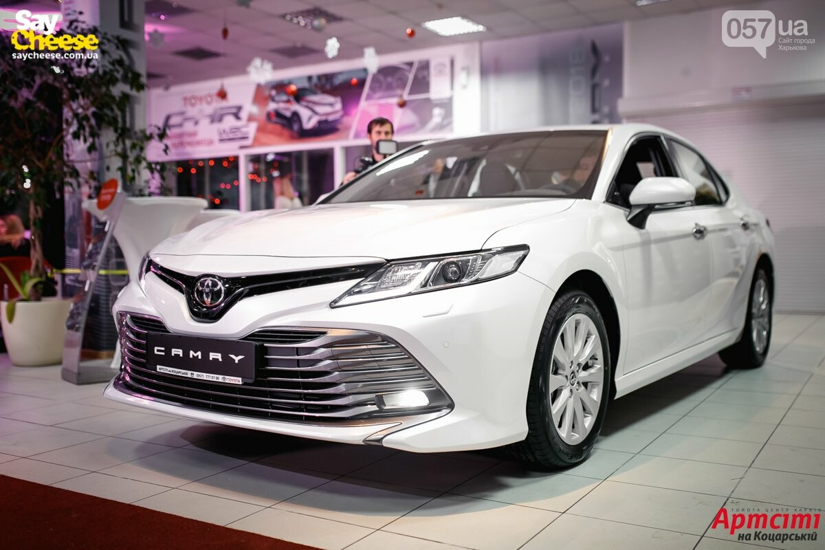 В Харькове представили новую Toyota Camry 2018, фото-2
