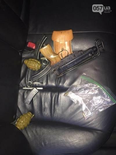 Пистолеты, автоматы и гранаты: в Харькове задержан студент, торгующий боевым оружием, -  ФОТО, фото-2