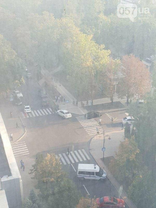 В центре Донецка подорвали лидера террористов Александра Захарченко, - ФОТО, фото-1