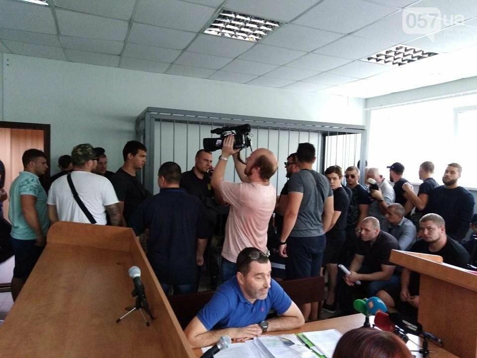 """14:19 - В зале присутствую представители """"Нацкорпуса"""" и их председатель Константин Немичев."""