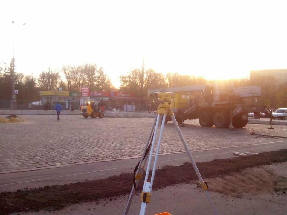 В горсовете рассказали, когда откроют ледовый каток на площади Свободы, - ФОТО, фото-2