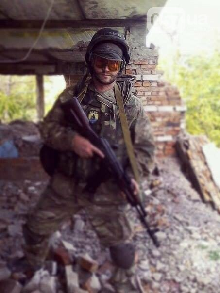 """""""Всех ультрарадикалов мы выгнали еще в 14-м году"""": интервью с офицером полка """"Азов"""", - ФОТО, фото-7"""