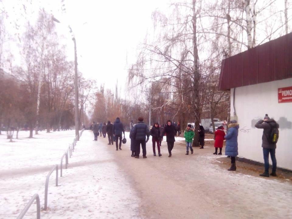 Из двух домов на Валентиновской эвакуировали людей. Что рассказали местные жители, - ФОТО, фото-6