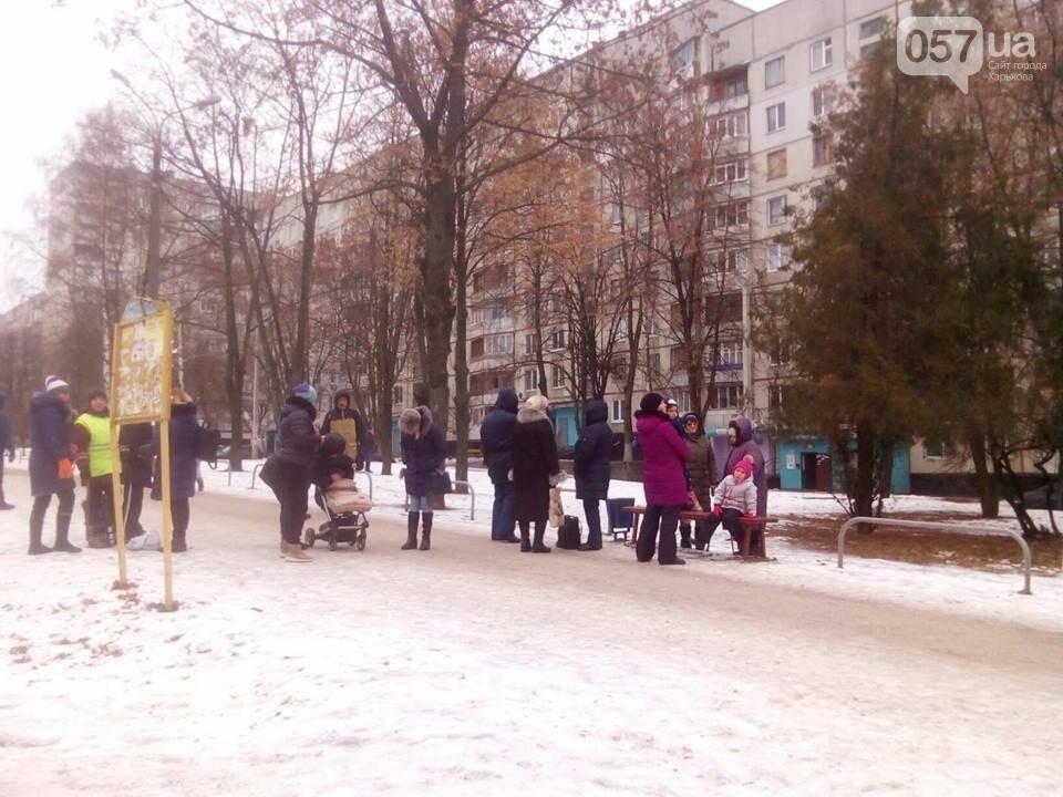 Из двух домов на Валентиновской эвакуировали людей. Что рассказали местные жители, - ФОТО, фото-7
