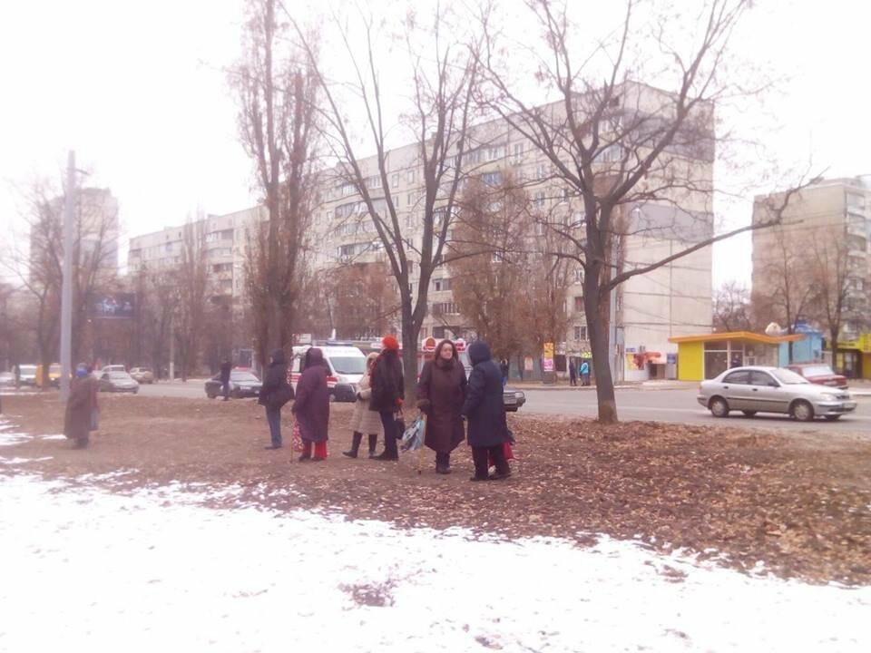 Из двух домов на Валентиновской эвакуировали людей. Что рассказали местные жители, - ФОТО, фото-8