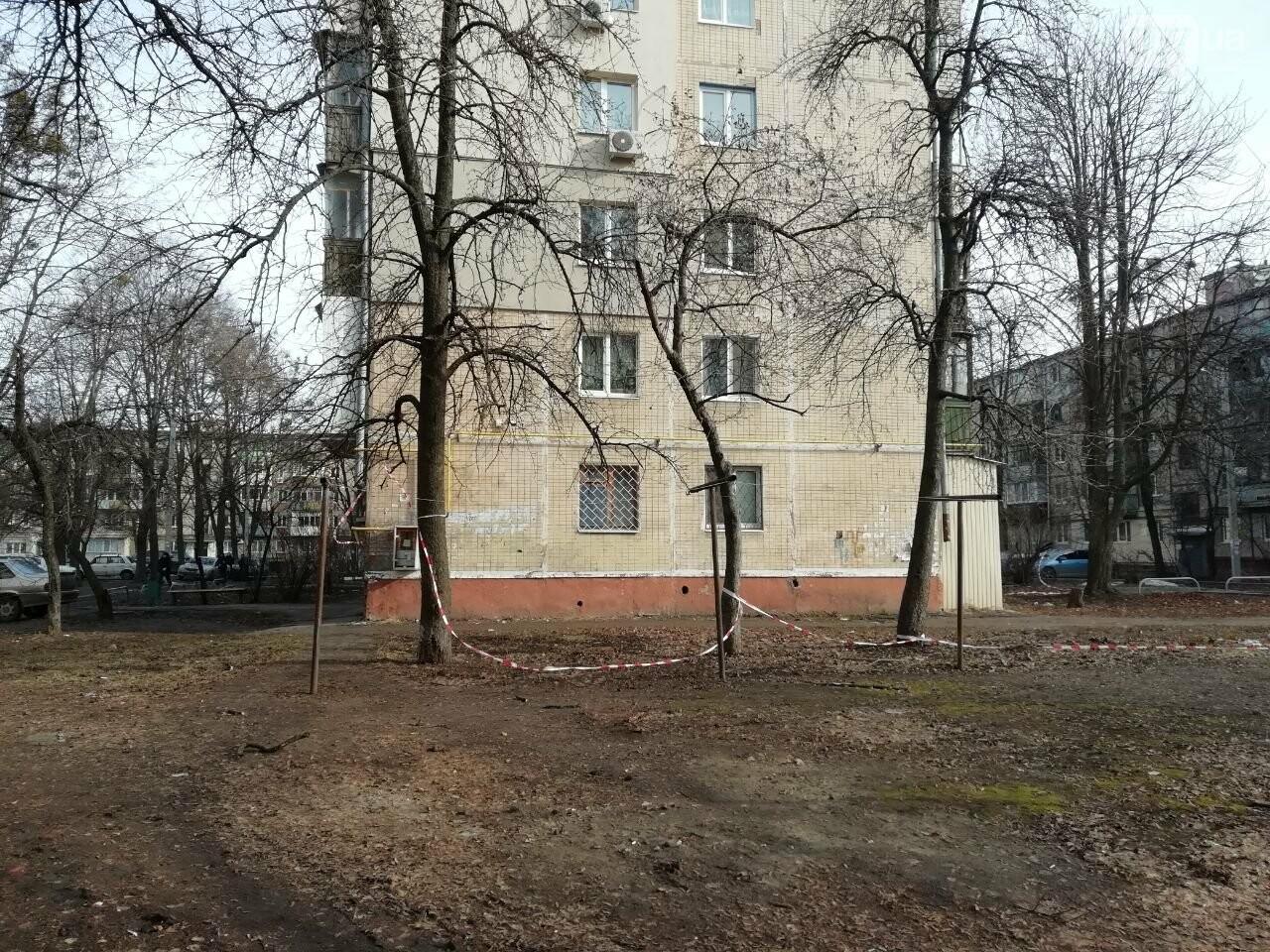 Выстрелы возле дома и неизвестные в масках: что рассказали жители о стрельбе на Московском проспекте, - ФОТО, фото-10