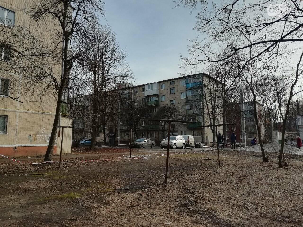 Выстрелы возле дома и неизвестные в масках: что рассказали жители о стрельбе на Московском проспекте, - ФОТО, фото-11