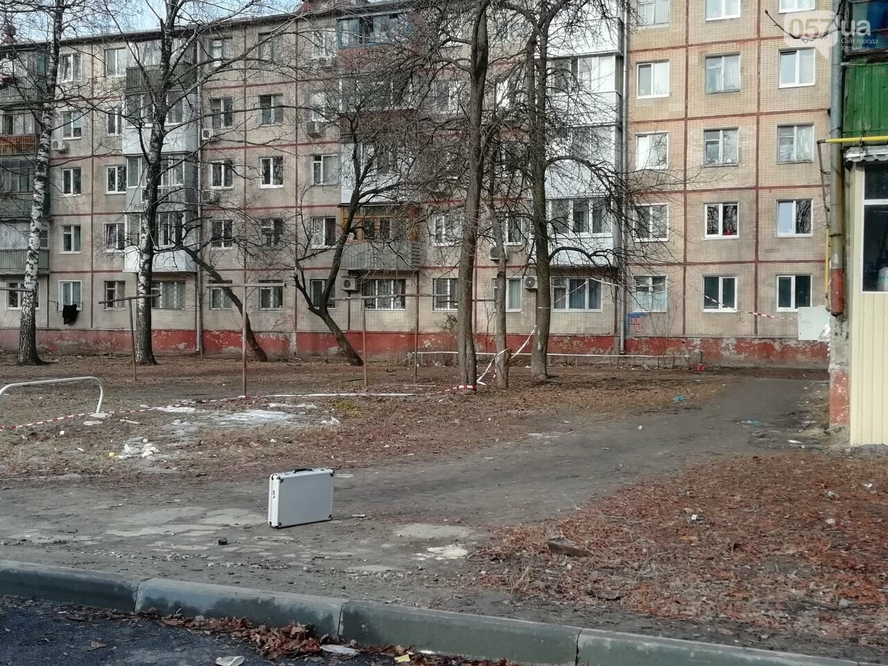 Выстрелы возле дома и неизвестные в масках: что рассказали жители о стрельбе на Московском проспекте, - ФОТО, фото-6