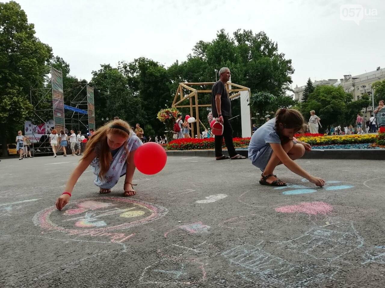 Литература для детей и взрослых: в центре Харькова проходит книжная ярмарка, - ФОТО, фото-7