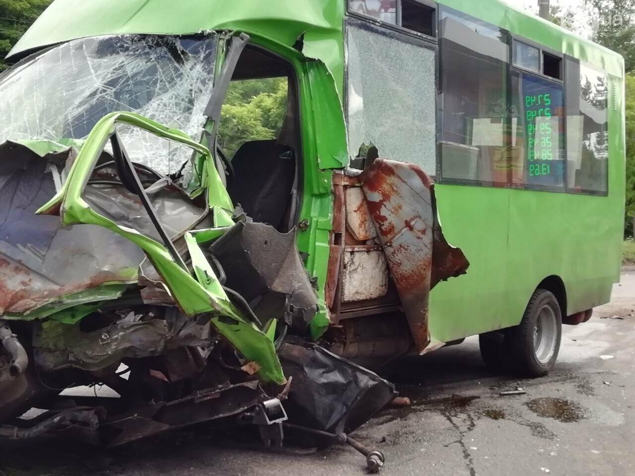 «Все сидели в крови»: подробности аварии на проспекте Тракторостроителей, - ФОТО, ВИДЕО, фото-4