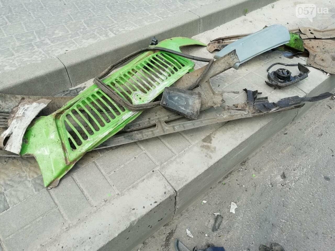 «Все сидели в крови»: подробности аварии на проспекте Тракторостроителей, - ФОТО, ВИДЕО, фото-9