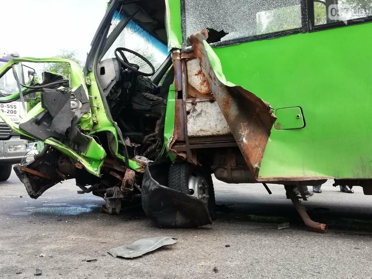 «Все сидели в крови»: подробности аварии на проспекте Тракторостроителей, - ФОТО, ВИДЕО, фото-5