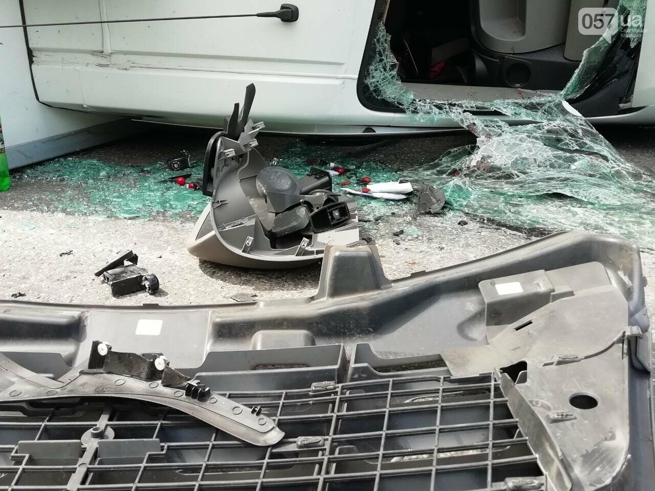 «Все сидели в крови»: подробности аварии на проспекте Тракторостроителей, - ФОТО, ВИДЕО, фото-11