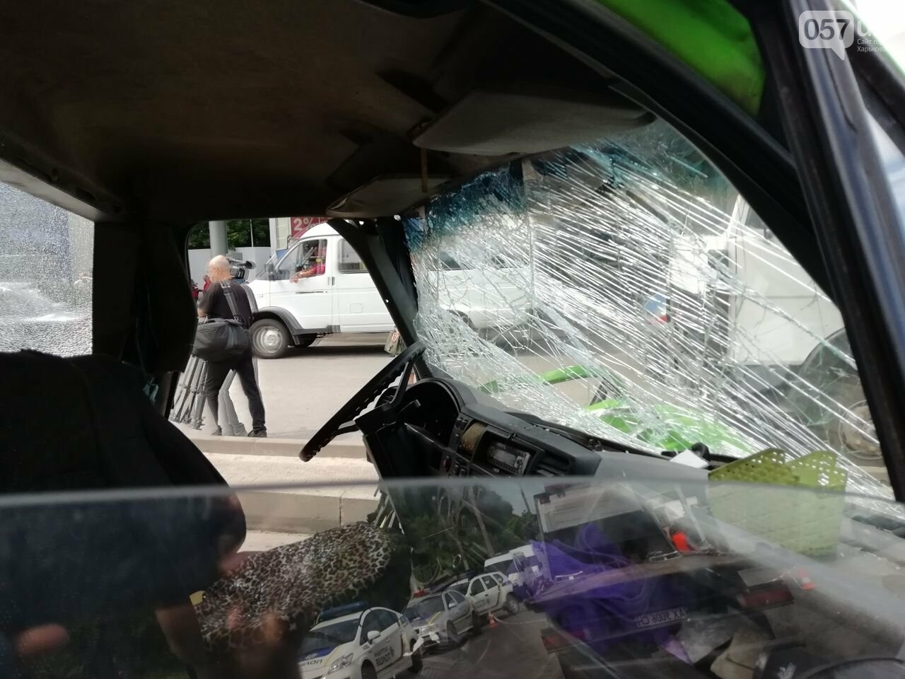 «Все сидели в крови»: подробности аварии на проспекте Тракторостроителей, - ФОТО, ВИДЕО, фото-12