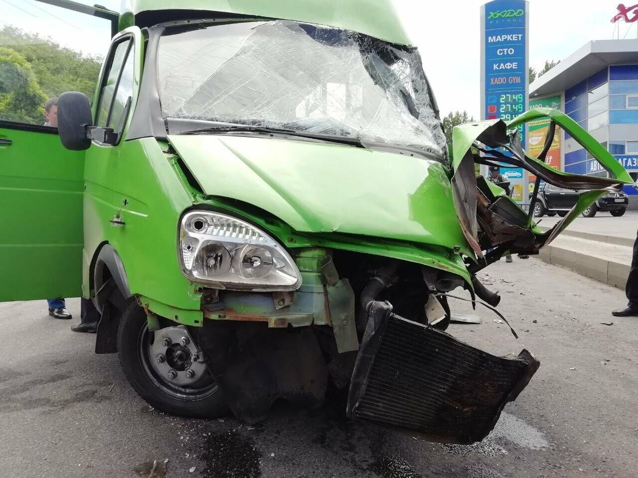 «Все сидели в крови»: подробности аварии на проспекте Тракторостроителей, - ФОТО, ВИДЕО, фото-6