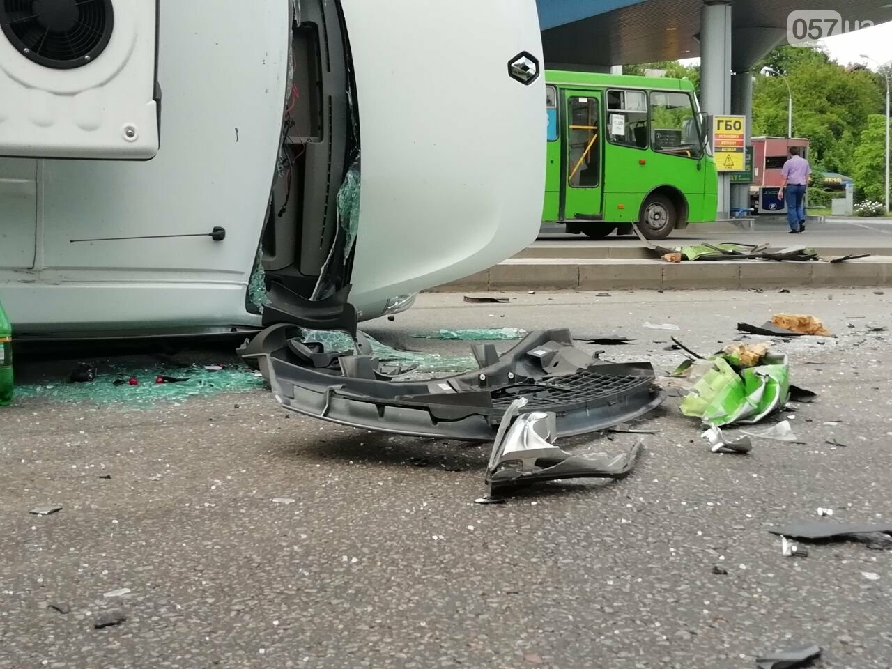 «Все сидели в крови»: подробности аварии на проспекте Тракторостроителей, - ФОТО, ВИДЕО, фото-3