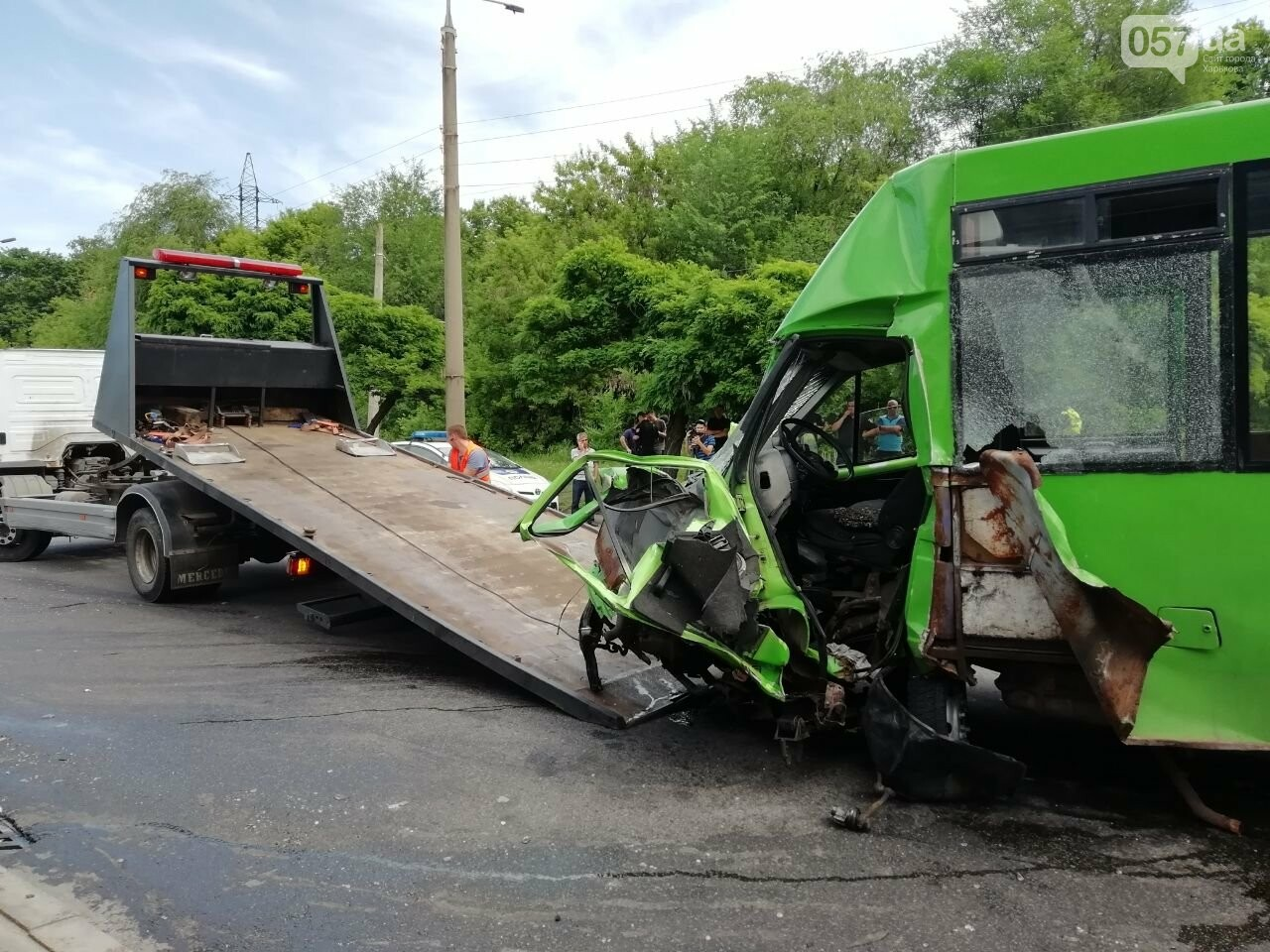 «Все сидели в крови»: подробности аварии на проспекте Тракторостроителей, - ФОТО, ВИДЕО, фото-15