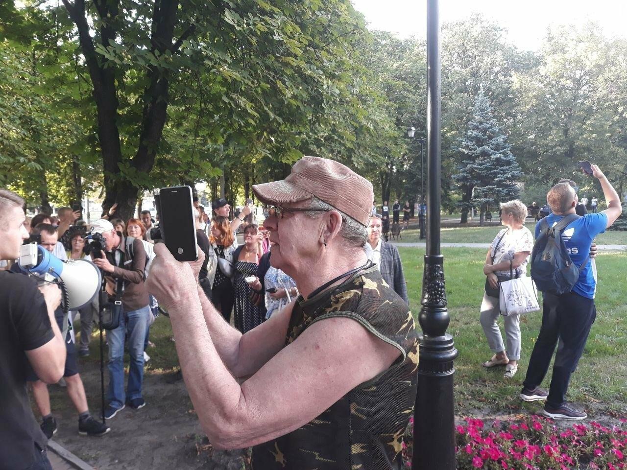 «Ветры сами снесут памятник Жукову»: в Харькове активисты протестовали против восстановления бюста, - ФОТО, фото-10