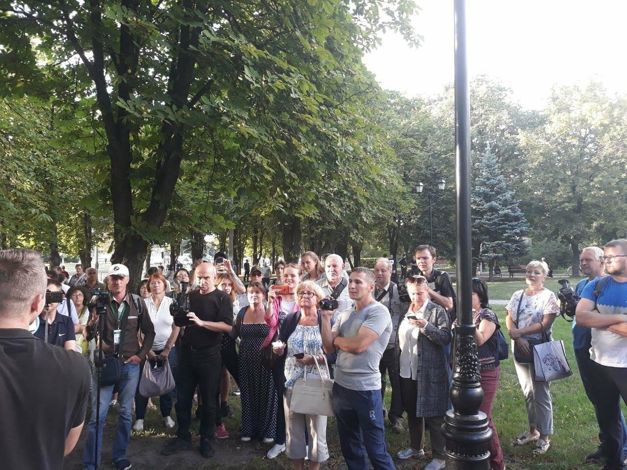 «Ветры сами снесут памятник Жукову»: в Харькове активисты протестовали против восстановления бюста, - ФОТО, фото-11