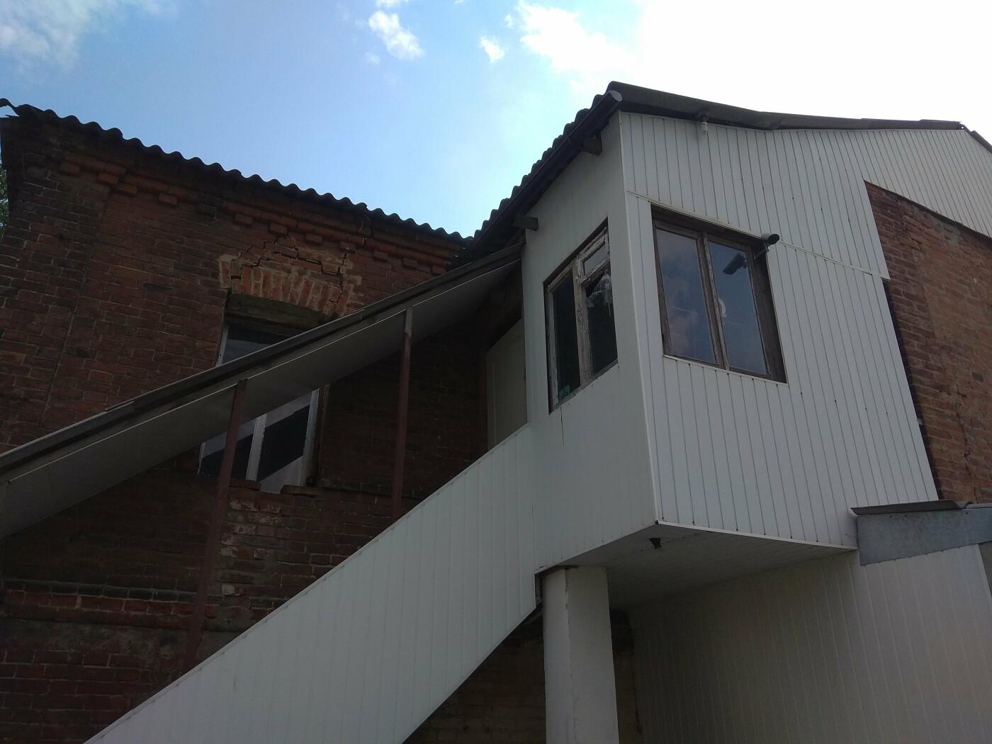 10 лет без ремонта: почему в Харькове не спешат восстанавливать аварийный дом, - ФОТО, фото-33