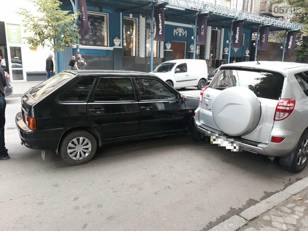 В центре Харькова «легковушка» сбила 16-летнюю девушку: пострадавшая в больнице, - ФОТО, ВИДЕО, фото-8