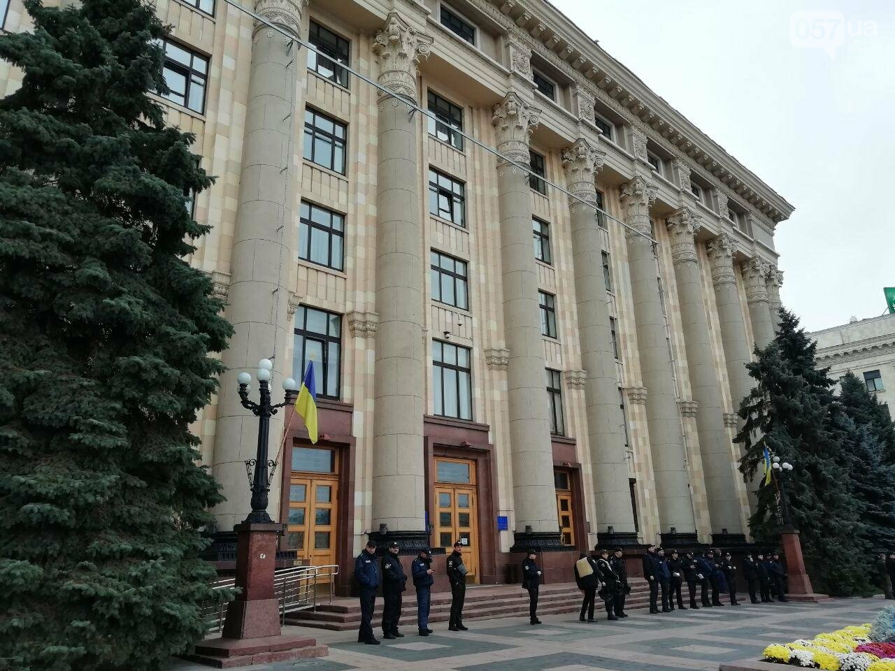В Харькове полицейские ищут взрывчатку в здании ХОГА и на ЮЖД, - ФОТО, фото-2