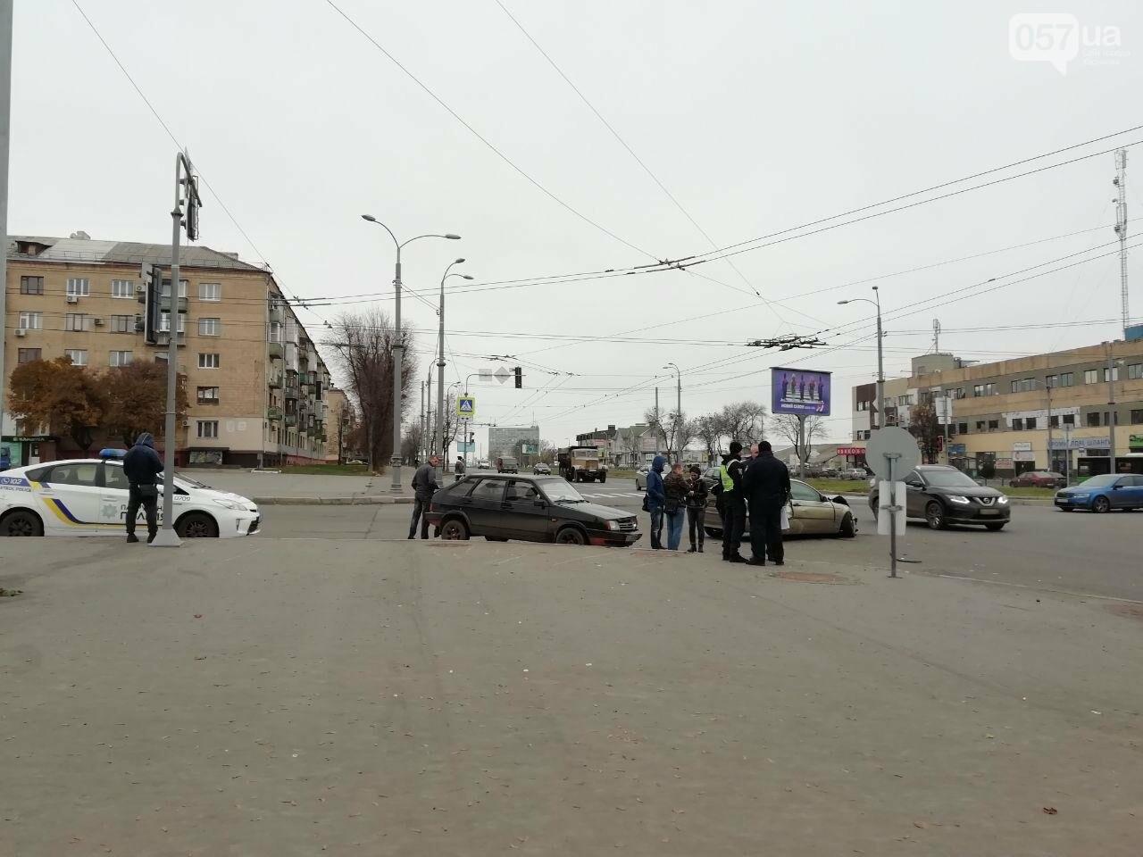 """На Московському проспекті не розминулися автомобілі """"BMW"""" та """"ВАЗ"""", - ФОТО, фото-1"""