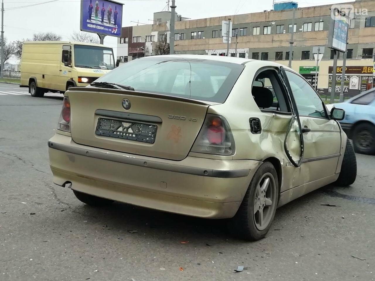 """На Московському проспекті не розминулися автомобілі """"BMW"""" та """"ВАЗ"""", - ФОТО, фото-6"""