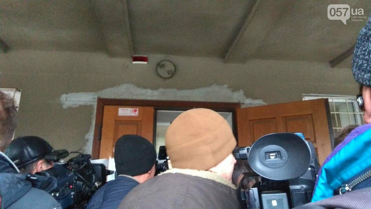 Суд по теракту возле Дворца Спорта: журналистов не пускают на заседание, - ФОТО, фото-3