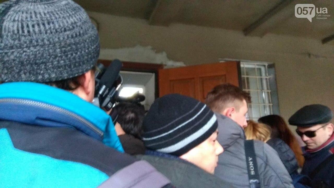 Суд по теракту возле Дворца Спорта: журналистов не пускают на заседание, - ФОТО, фото-4