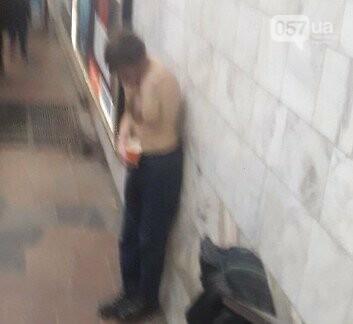 Тепло и комфорт: как бездомные «прописались» в харьковской подземке, - ФОТО, фото-4