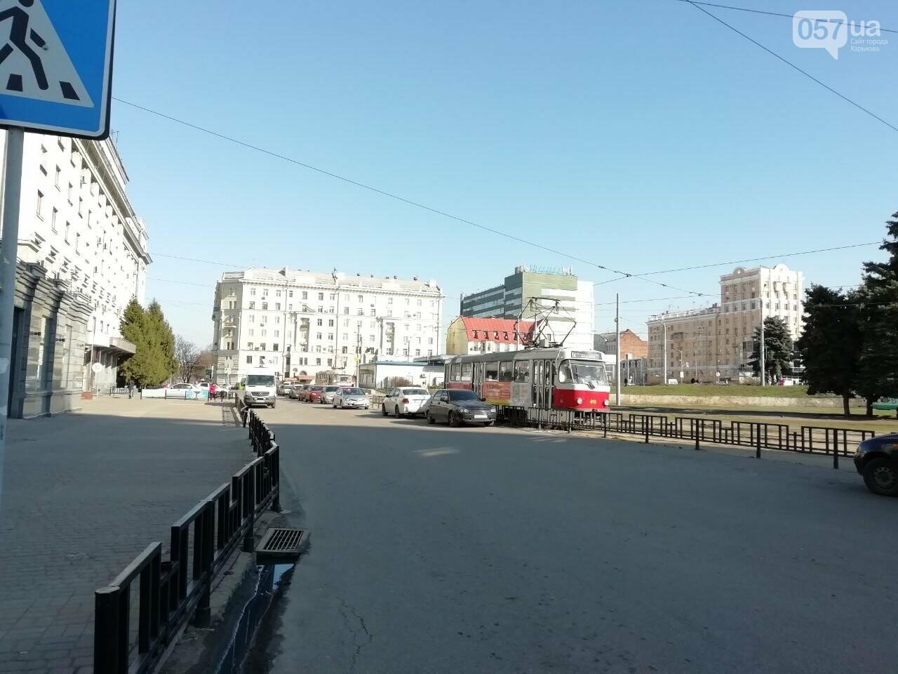 Безлюдный вокзал и дезинфекция трамваев: как живет ЮЖД во время карантина, - ФОТО, фото-18