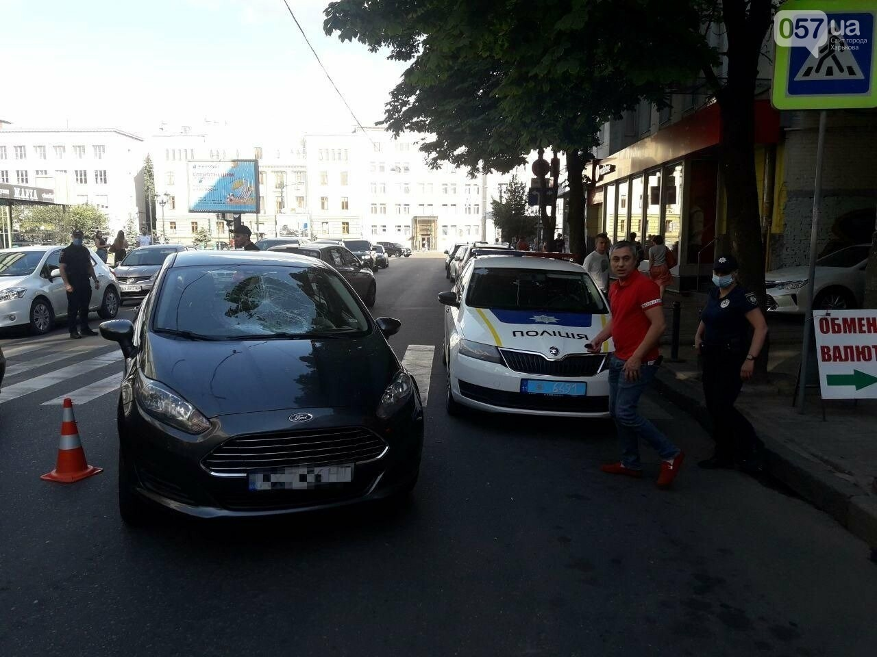 """На """"Пушкинской"""" легковое авто сбило пешехода на """"зебре"""": пострадавший в больнице, - ФОТО, фото-11"""