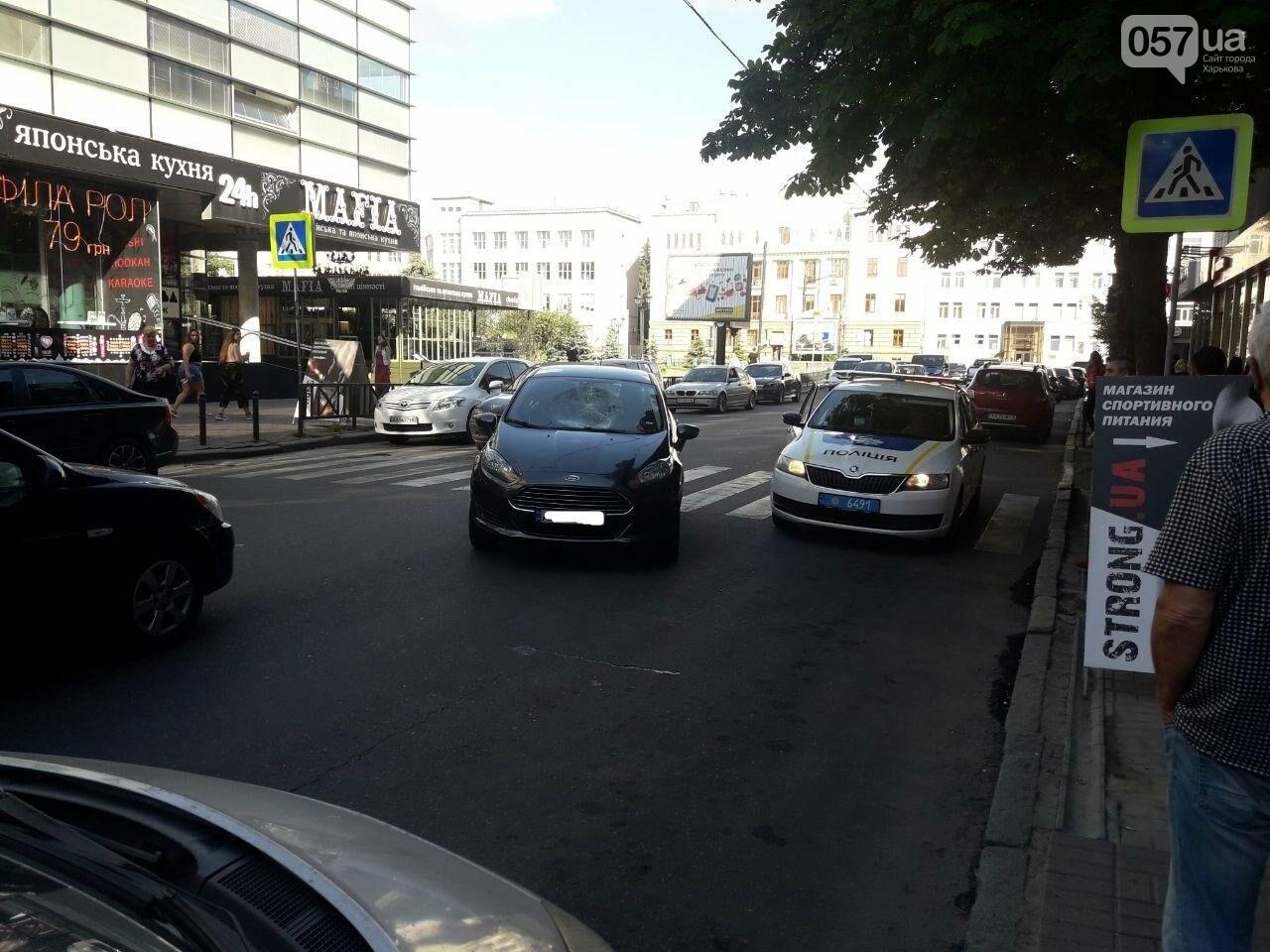 """На """"Пушкинской"""" легковое авто сбило пешехода на """"зебре"""": пострадавший в больнице, - ФОТО, фото-2"""