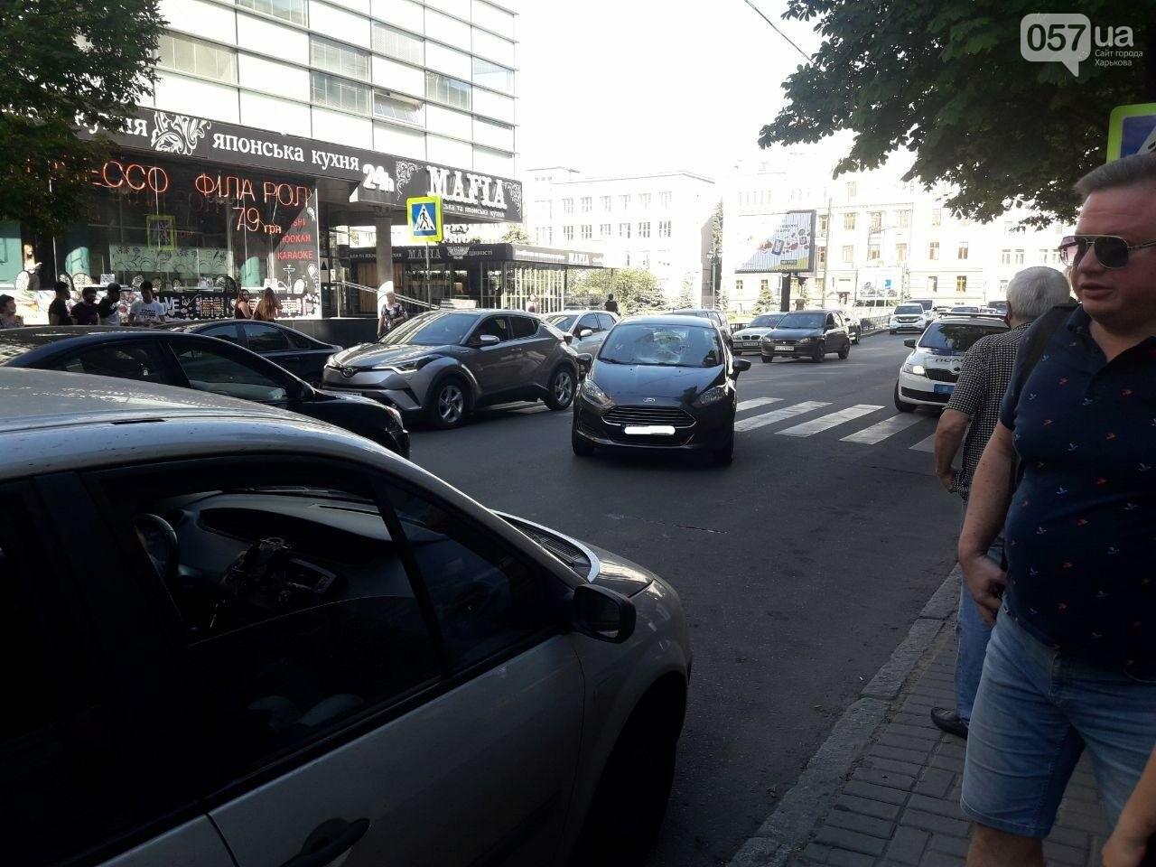 """На """"Пушкинской"""" легковое авто сбило пешехода на """"зебре"""": пострадавший в больнице, - ФОТО, фото-3"""