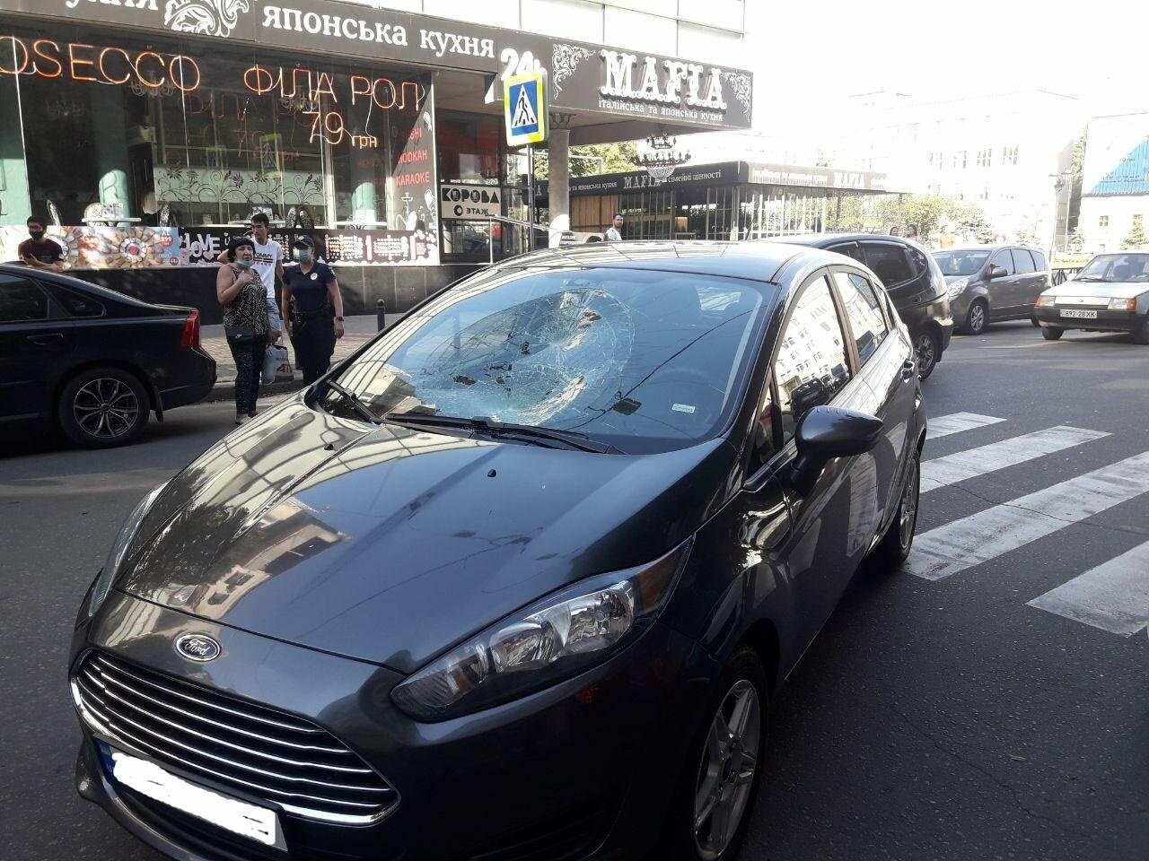 """На """"Пушкинской"""" легковое авто сбило пешехода на """"зебре"""": пострадавший в больнице, - ФОТО, фото-4"""