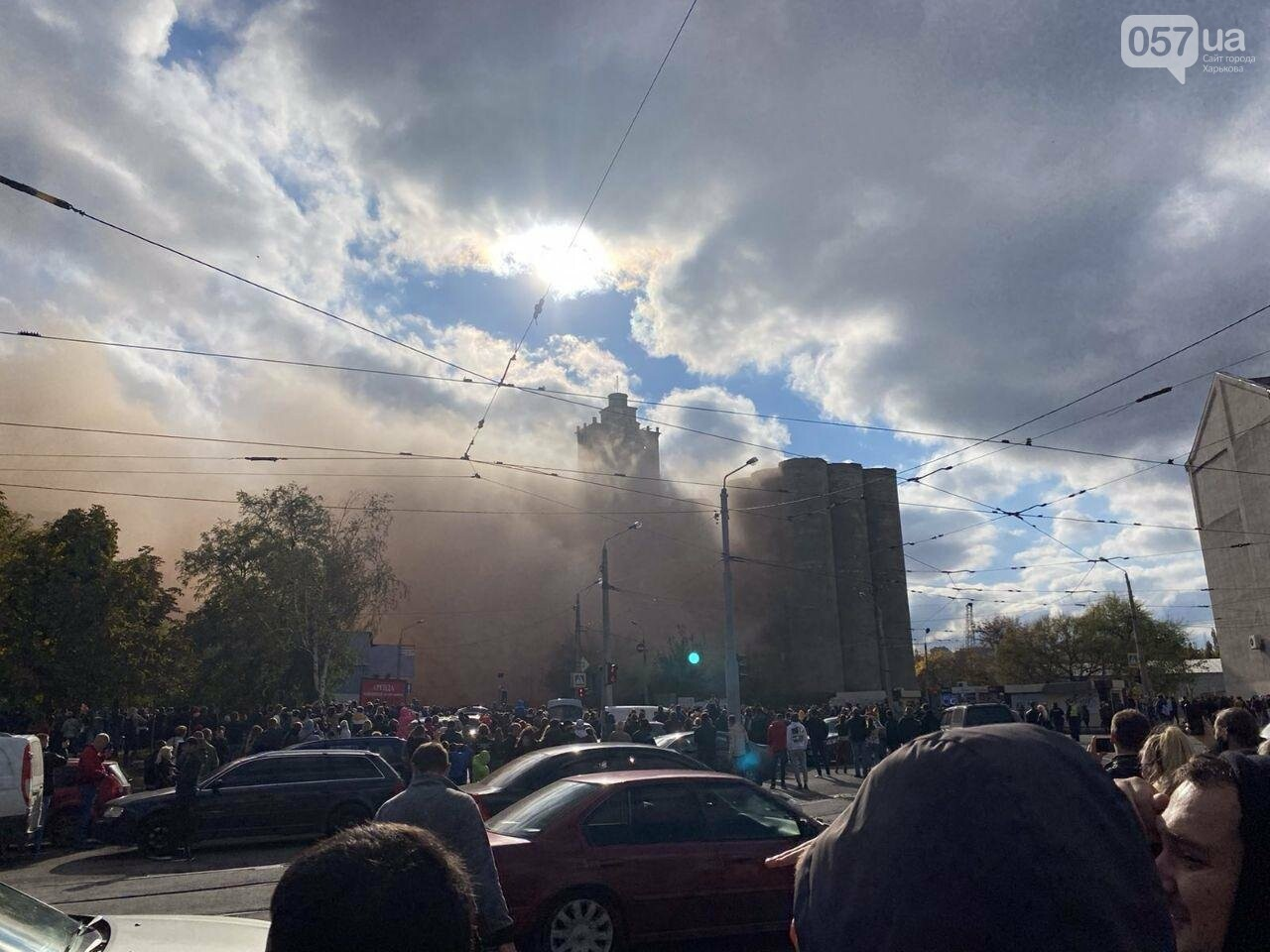 Во время сноса элеватора в Харькове часть старого здания устояла, - ФОТО, фото-1