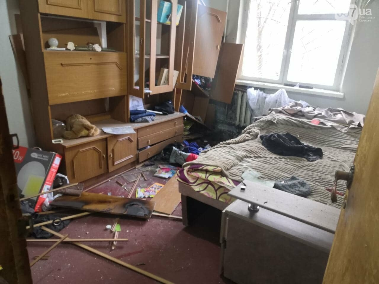 Взрыв в Харькове: что известно о состоянии мужчины, пытавшегося кинуть гранату в квартиру, - ФОТО, фото-2