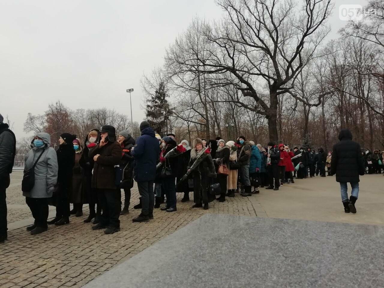 На прощальную церемонию с Кернесом выстроилась огромная очередь, - ФОТО, фото-8