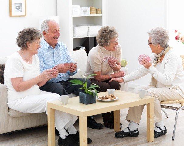 Дом престарелых с проживанием дома престарелых в государственные