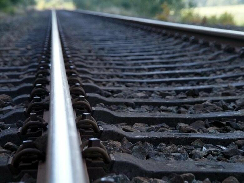 На Харьковщине пьяного мужчину сбил поезд - пострадавший в тяжелом состоянии