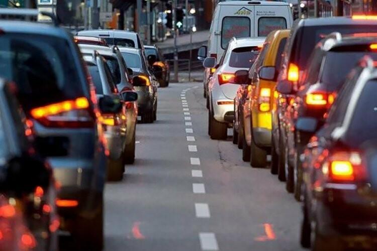 Пробки в Харькове: куда лучше не ехать водителям, - СПИСОК