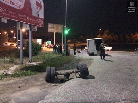 Тройное ДТП на окружной: машина всмятку, двое пострадавших (ФОТО) , фото-1