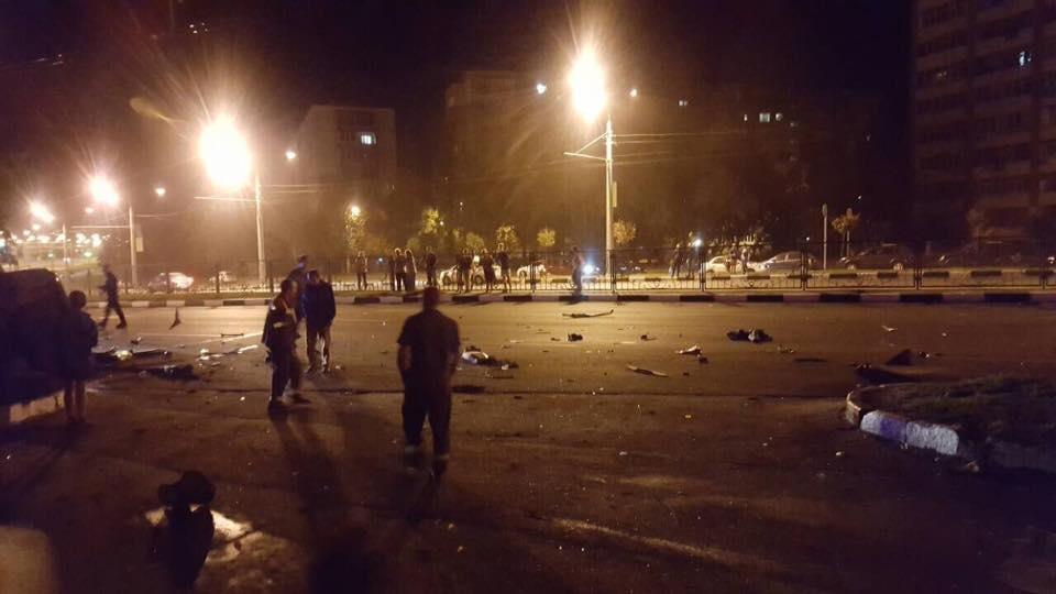 На проспекте Гагарина Mercedes разнесло об столб. Погибли трое иностранных студентов (ФОТО), фото-2