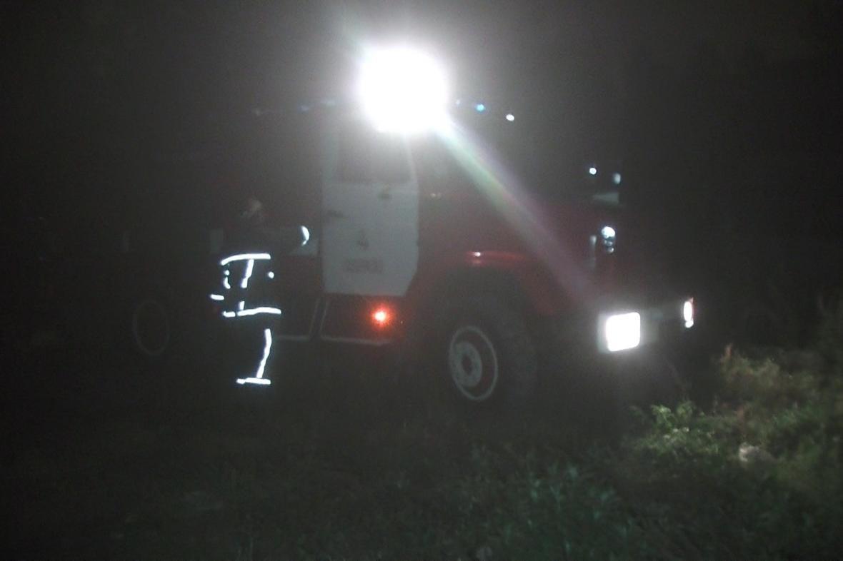 В Харькове горел склад, где хранились нефтепродукты (ФОТО), фото-2